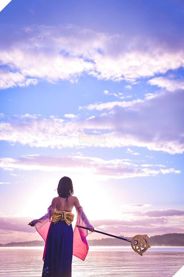 Choáng ngợp với bản cosplay Yuna cùng điệu nhảy trên mặt nước huyền thoại Final Fantasy 4