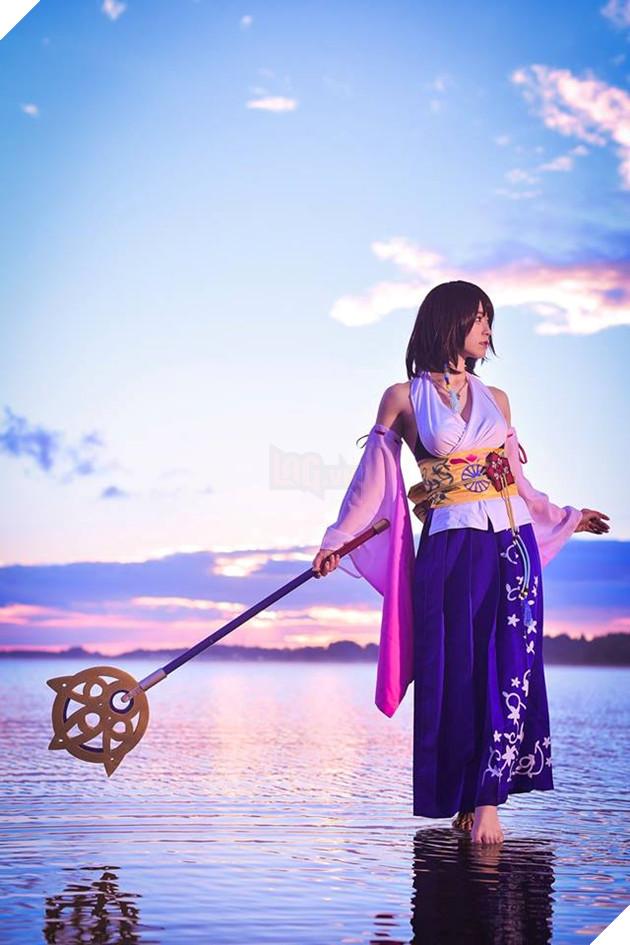 Choáng ngợp với bản cosplay Yuna cùng điệu nhảy trên mặt nước huyền thoại Final Fantasy 7