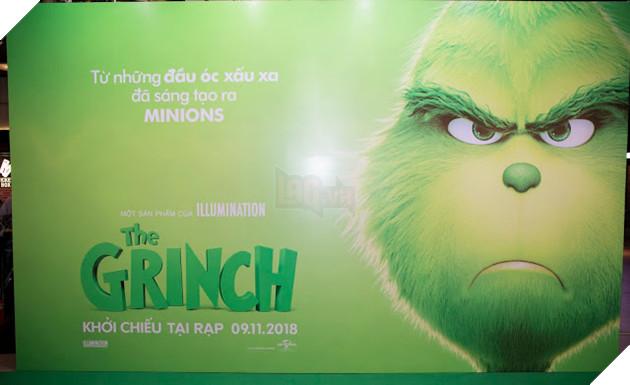 Gia đình sao Việt nô nức đi xem Grinch lập âm mưu phá giáng sinh 3