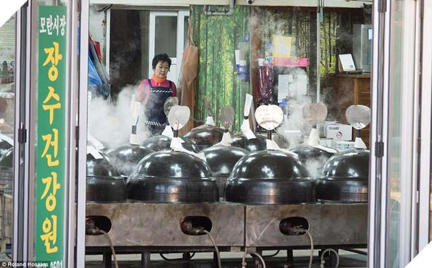 Tại Hàn Quốc chó làm thịt đang khốn khổ vì bầy bán công khai khiến người khác đau lòng 10