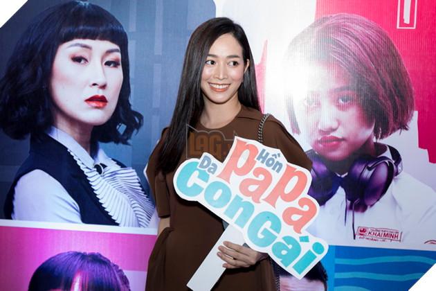Thái Hòa và Kaity Nguyễn đẹp rạng ngời nhân dịp ra mắt Hop Báo Hồn Papa da con gái  16