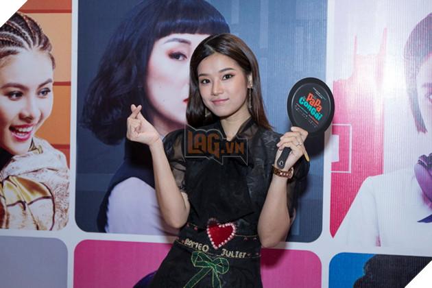 Thái Hòa và Kaity Nguyễn đẹp rạng ngời nhân dịp ra mắt Hop Báo Hồn Papa da con gái  21
