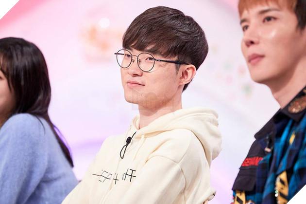 Liên Minh Huyền Thoại: Faker chia sẻ lý do mình ở lại Hàn Quốc và không thể ra quán net chơi game 3