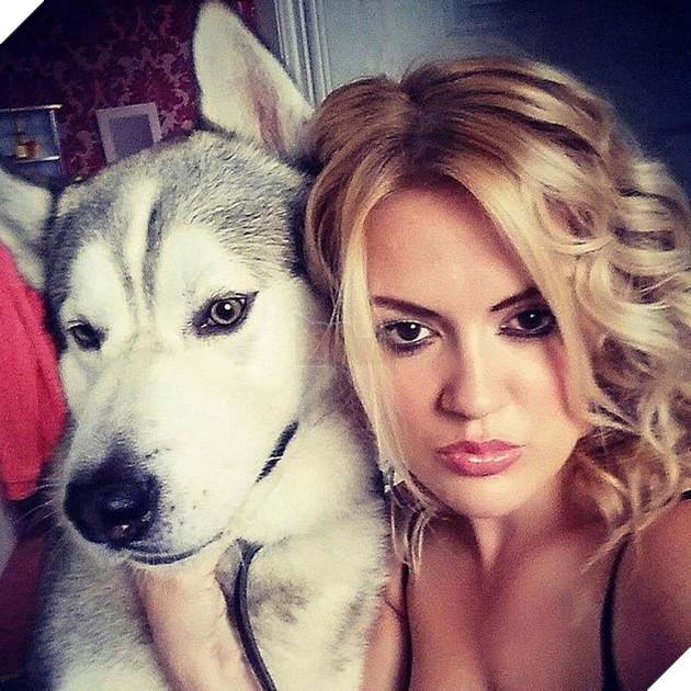 Chó Husky bị cảnh sát bắn chết vì tấn công cô giữ trẻ lạ mặt, cư dân mạng tranh cãi: Nó chỉ giữ nhà thôi mà? - Ảnh 1.
