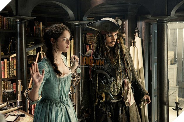 Đá Johnny Depp khỏi Cướp biển, Disney tiết kiệm 90 triệu USD