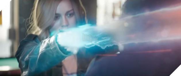 Captain Marvel tung TV Spot mới: Người bắn chưởng, kẻ biến hình 4