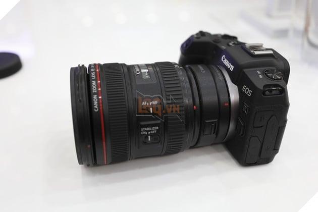 EOS RP + EF 24-70mm f/2.8L II USM. Nguồn: Lag.vn.