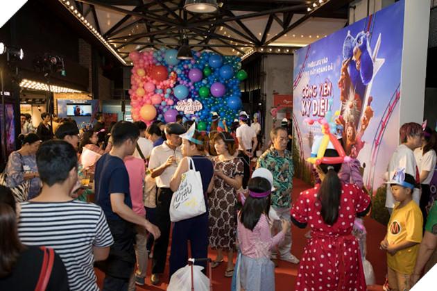 Siêu mẫu Thúy Hạnh, Huỳnh Đông - Ái Châu cùng các con khám phá Wonder Park  11