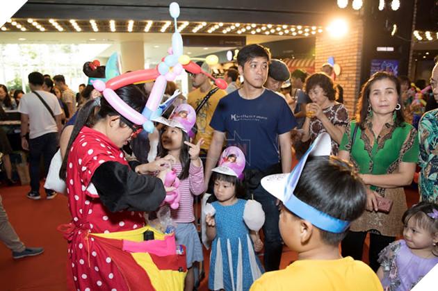 Siêu mẫu Thúy Hạnh, Huỳnh Đông - Ái Châu cùng các con khám phá Wonder Park  12