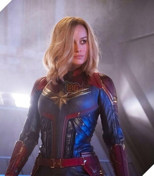 Avengers Endgame: Toàn bộ trang phục của Captain Marvel đều