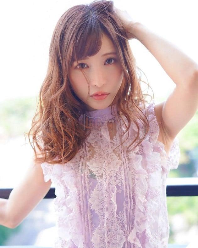 Ngắm nhan sắc xinh đẹp của Amatsuka Moe, thiên sứ của làng phim 18+ Nhật Bản - Ảnh 6.
