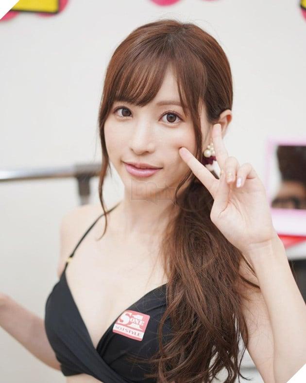 Ngắm nhan sắc xinh đẹp của Amatsuka Moe, thiên sứ của làng phim 18+ Nhật Bản - Ảnh 9.