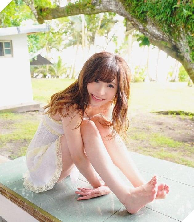 Ngắm nhan sắc xinh đẹp của Amatsuka Moe, thiên sứ của làng phim 18+ Nhật Bản - Ảnh 10.