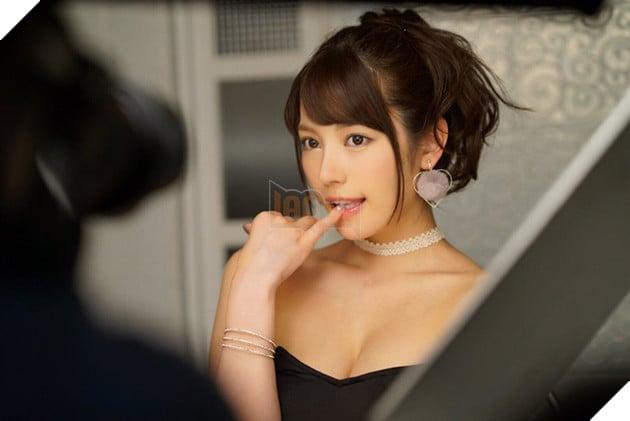 Loạt mỹ nhân trẻ tuổi vừa xuất hiện đã khuấy đảo làng phim 18+ Nhật Bản (P.1) - Ảnh 3.